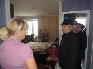 Представитель «ЖКХ Контроль» в Чувашии участвовал в выездной проверке качества квартир, предоставленных по программе переселения из аварийного жилья в г. Мариинский Посад
