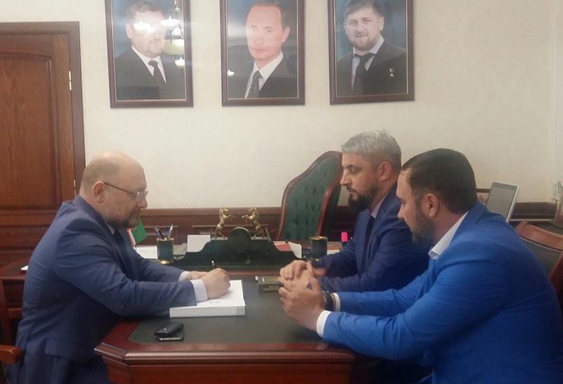 Руководитель ЖКХ «Контроль» Чеченской Республики Мансур Солтаев  встретился с министром печати и информации Региона Джамбулатом Умаровым
