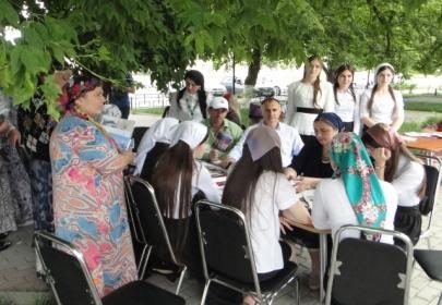 Во дворах  города Аргуна  Чеченской Республики проходят семинары для активных граждан и представителей  советов многоквартирных домов