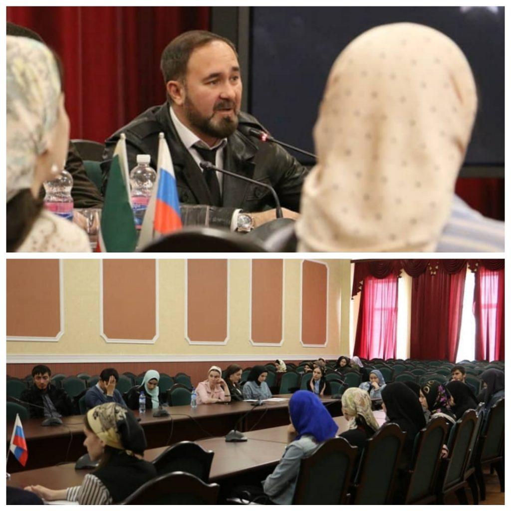 В Общественной палате ЧР Региональный центр ЖКХ контроль организовал круглый стол по вопросам ЖКХ
