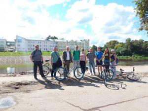 Вологодский ВОРКШОП на велосипедах и пешком состоялся на набережной реки Вологды
